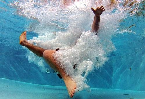 pool-519453__340