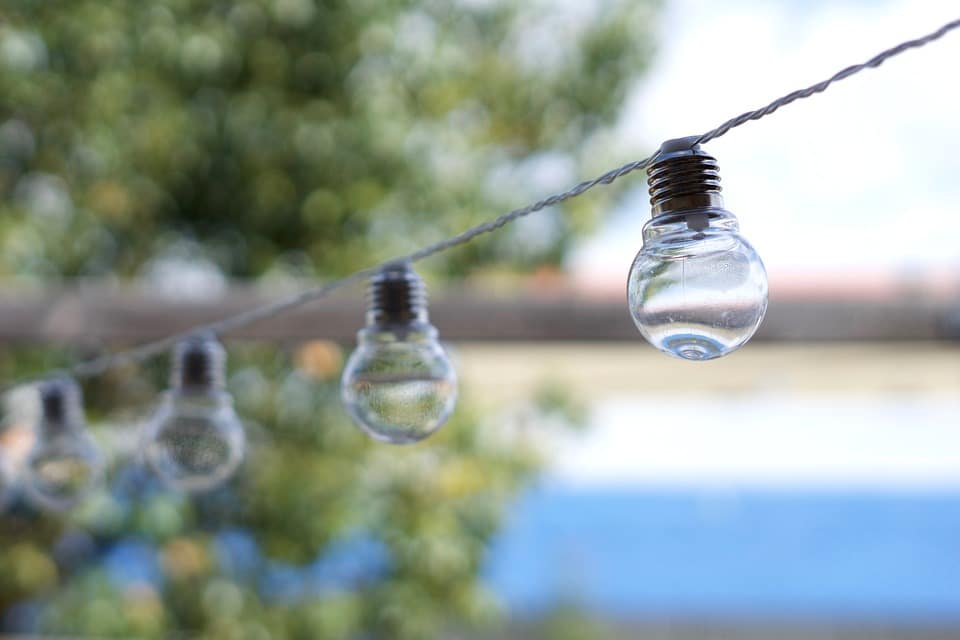 light-bulbs-2112763_960_720