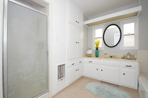 18 Bathrm 2 view 2