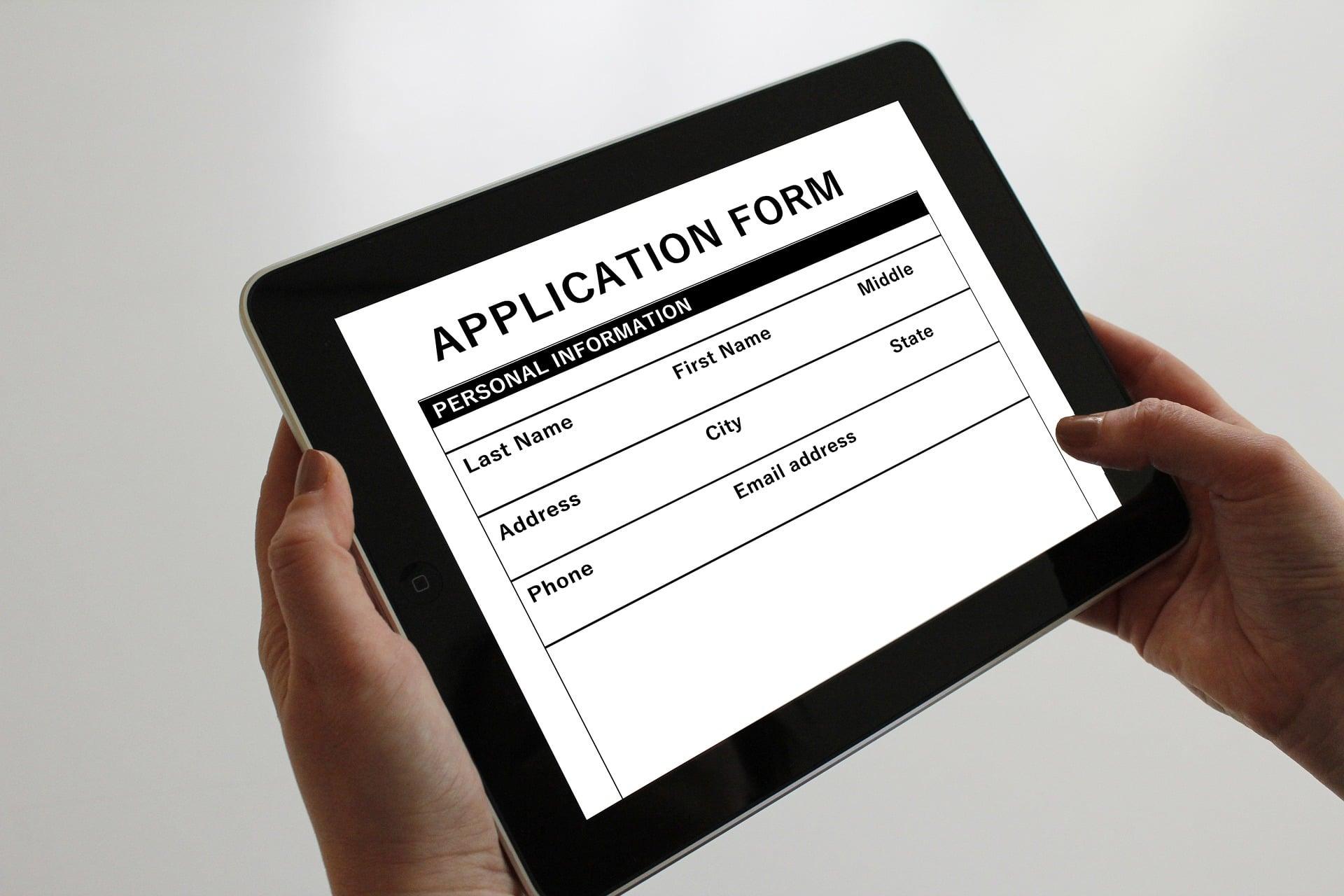 application-1883453_1920